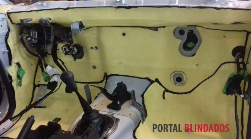 Fibra Kevlar utilizada em manta balística DuPont